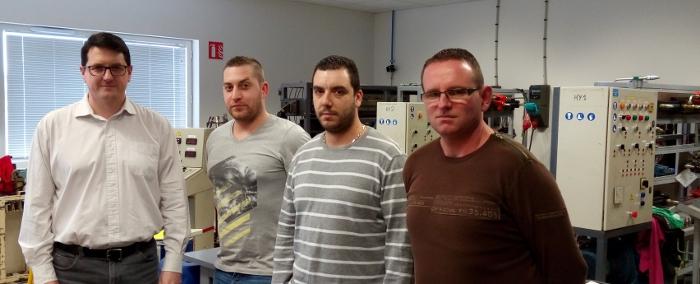 Les salariés formés au poste de monteur régleur en plasturgie par Alliance Emploi.
